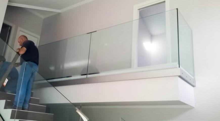 Instalación de barandilla interior
